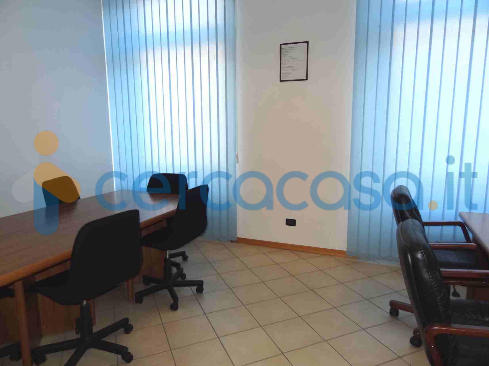 _vendita-_ufficio__002c-in-zona-_c_e_n_t_r_o__002c-_b_i_e_l_l_a