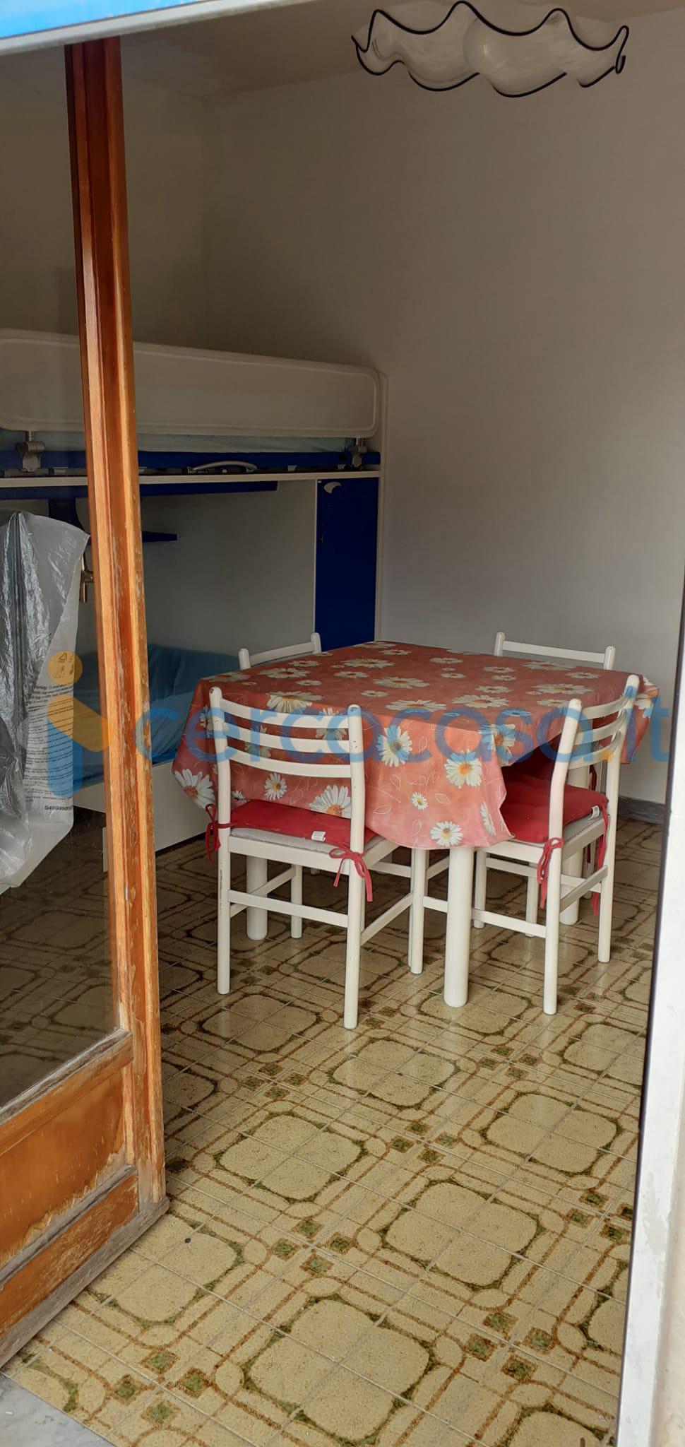 _appartamento-_bilocale-da-ristrutturare-in-vendita-a-_crotone