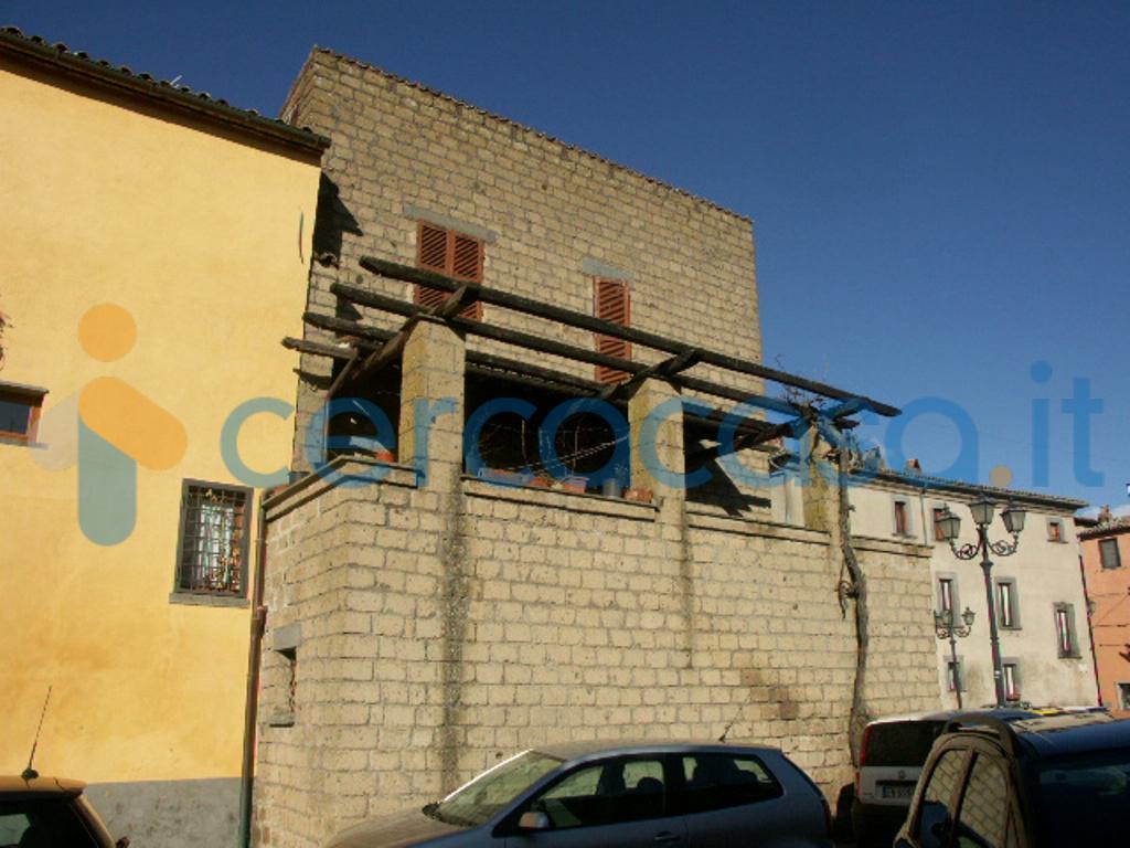 _casa-singola--in-vendita-in-_p__002ezza-_a__002ede-_gasperi__002c--_bagnoregio