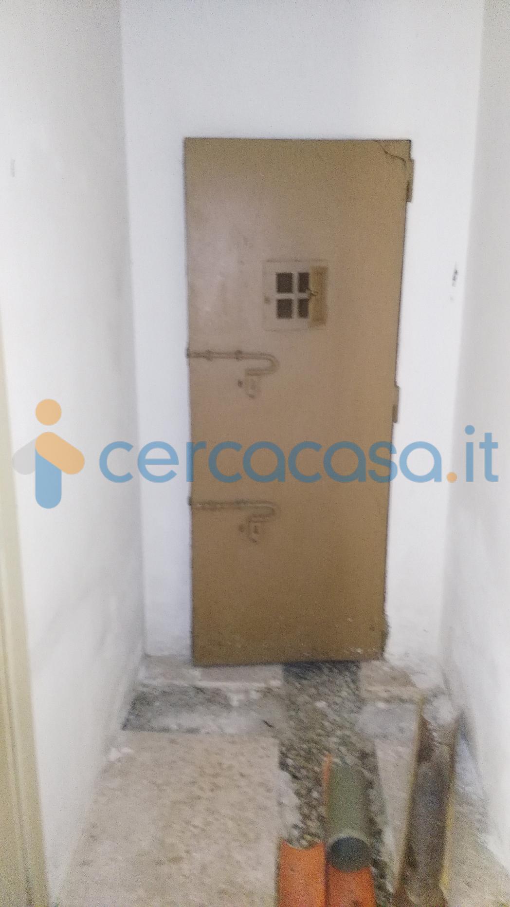 _vendita-_palazzo__002c-_m_e_l_e_n_d_u_g_n_o