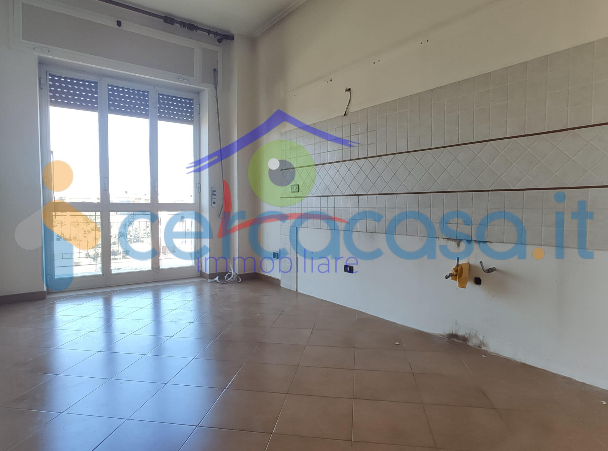 _appartamento-pressi-_asse-_mediano-con-_box
