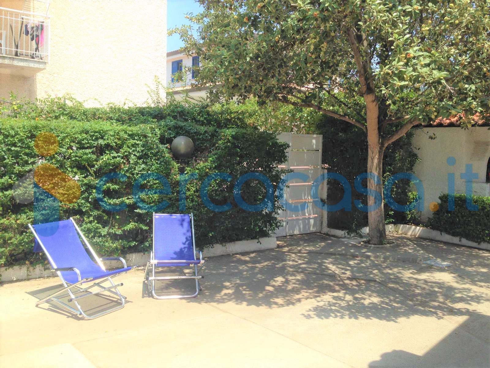 _villa-_indipendente-su-un-livello-con-giardino-privato