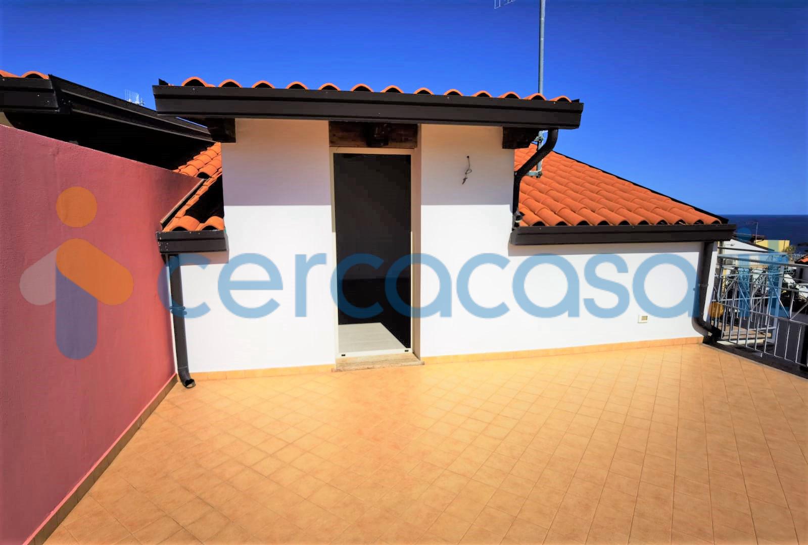 _villa-_quadrifamiliare-panoramica-con-giardino-privato-e-posto-auto-in-residence-