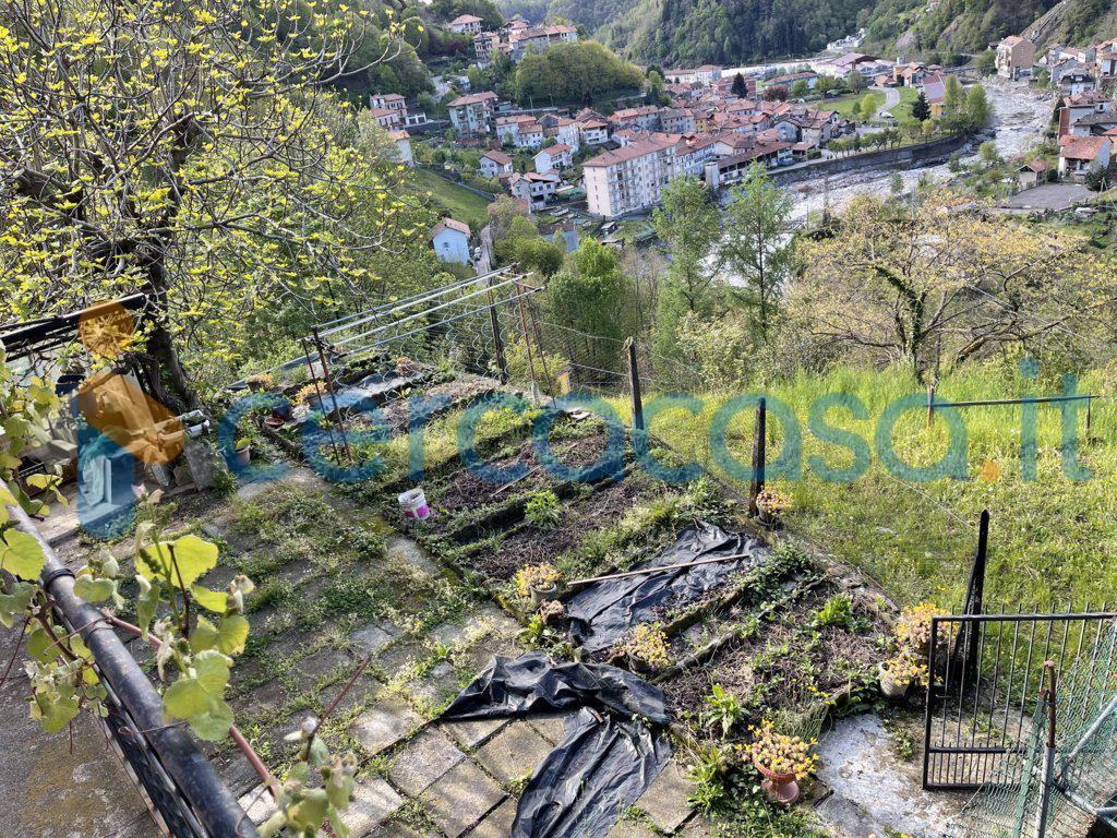 _casa-fine-schiera-con-giardino-e-ampio-terreno