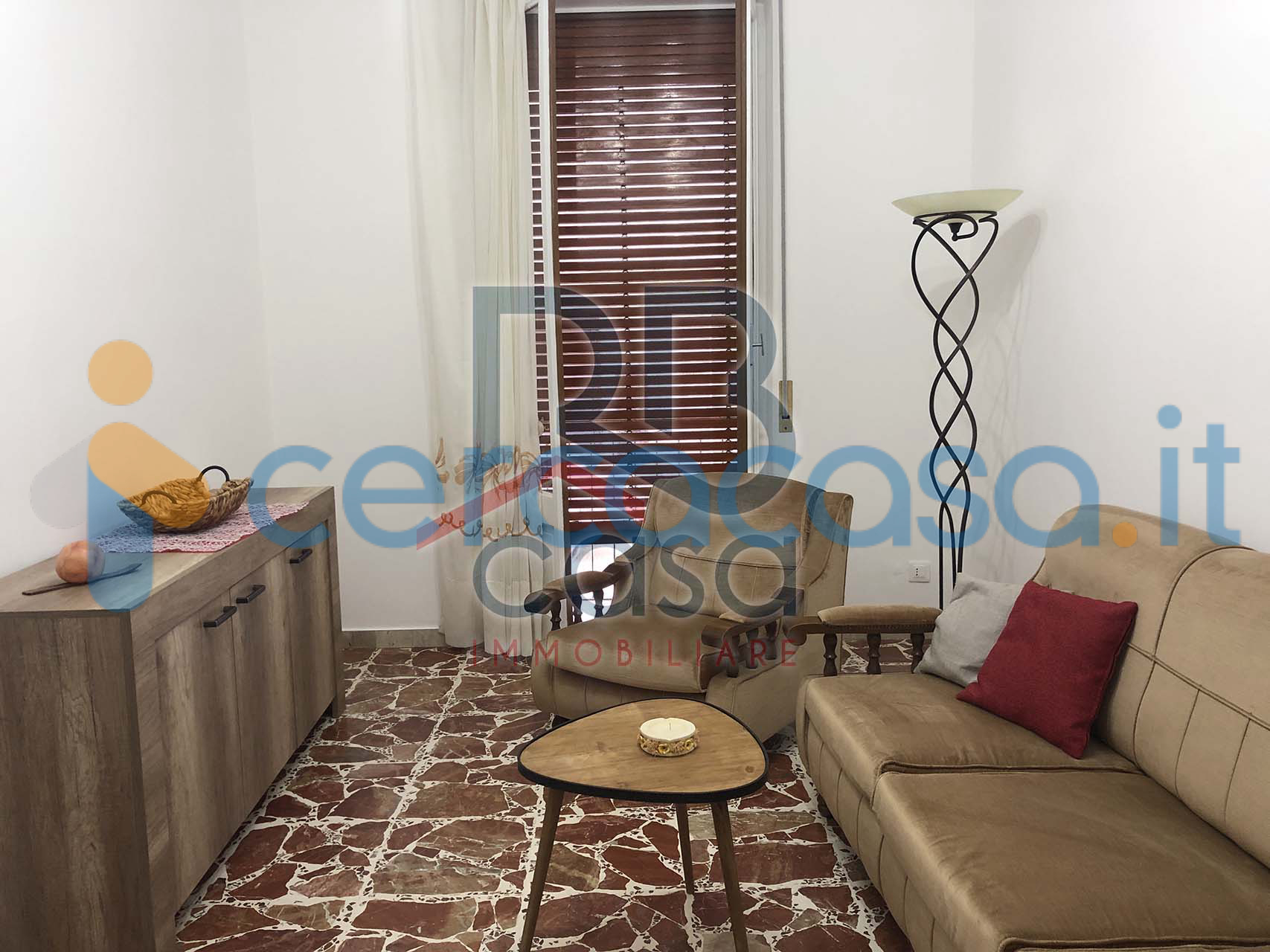 _vendesi-appartamento-al-piano-rialzato-