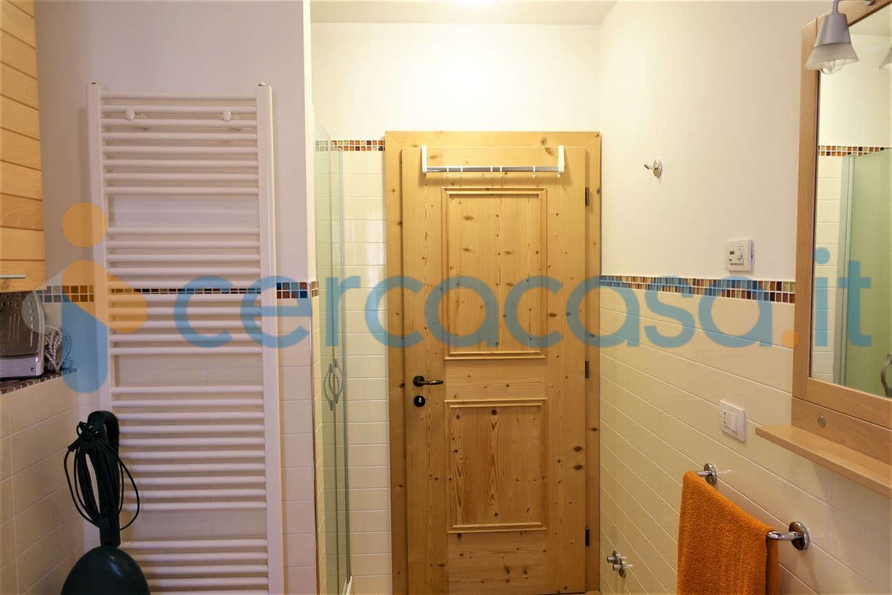 _appartamento-al-primo-piano__002c-arredato-in-edificio-di-pregio