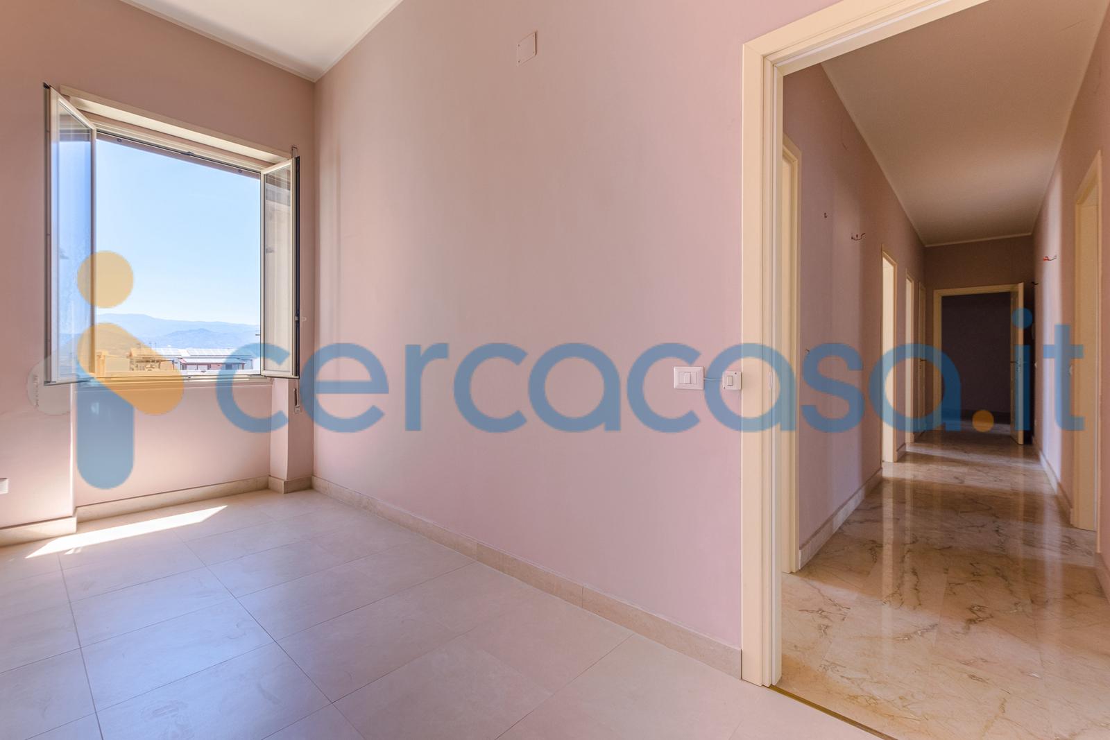 _messina-__002d-_via-_garibaldi__002c-vendita-elegante-pentavani-ultimo-piani