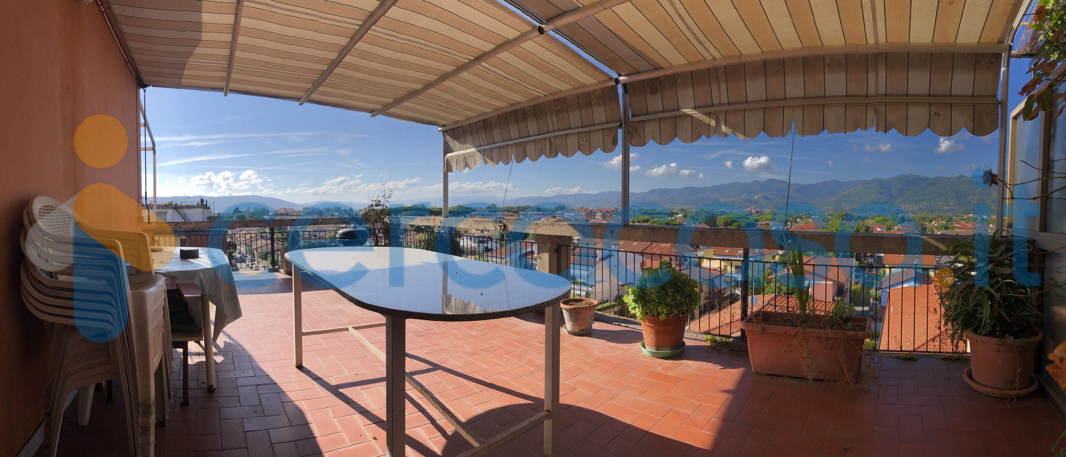 _marina-di-_carrara-__002d-_attico-93-mq-con-terrazza-panoramica