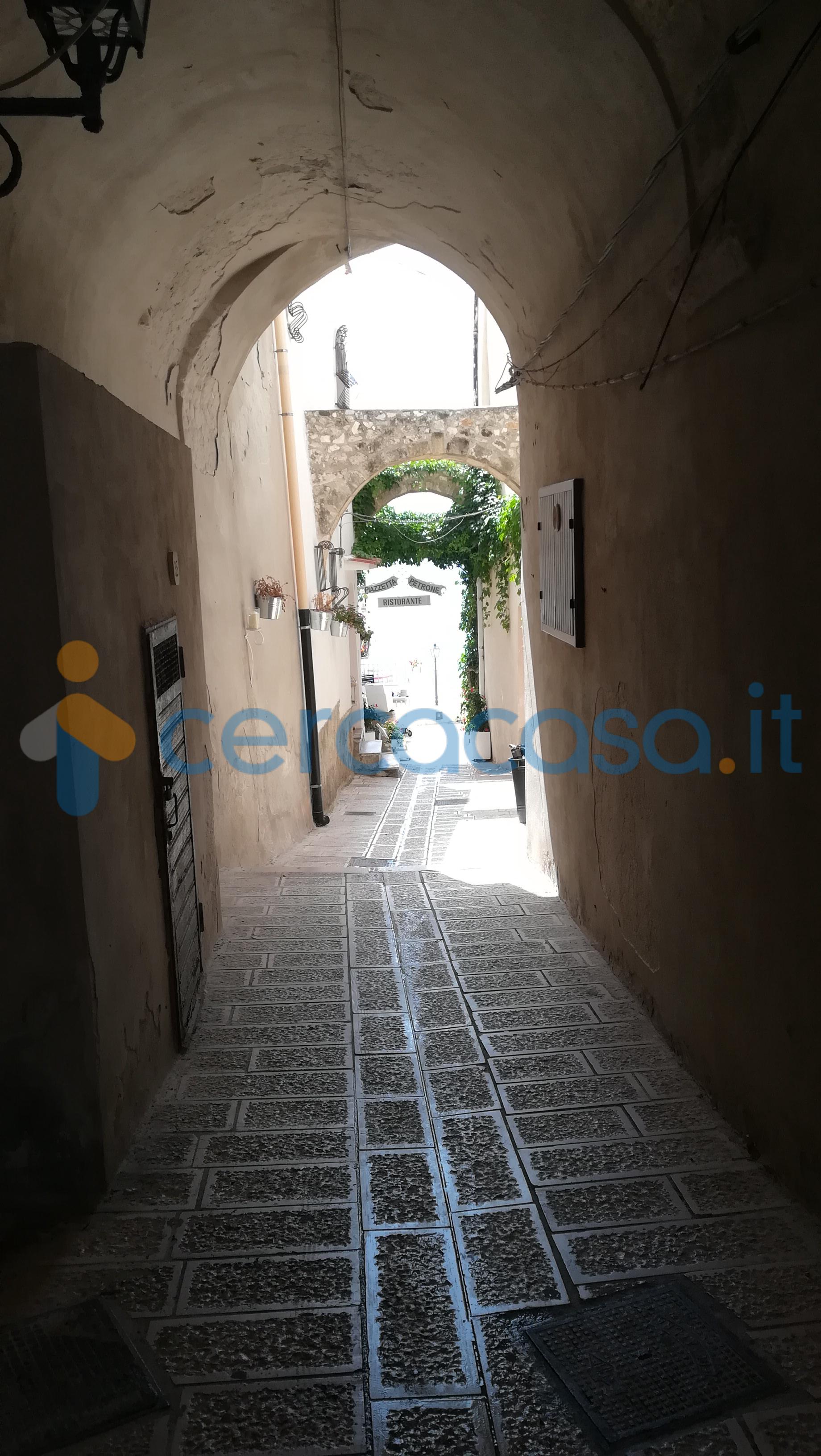 _trilocale-nel-centro-storico-di-_vieste