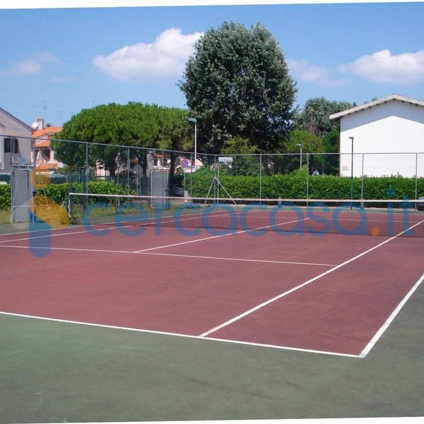 _v_i_l_l_e-_l_o_s-_n_i_d_o_s-villetta-ristrutturata-con-piscina-e-campo-da-tennis