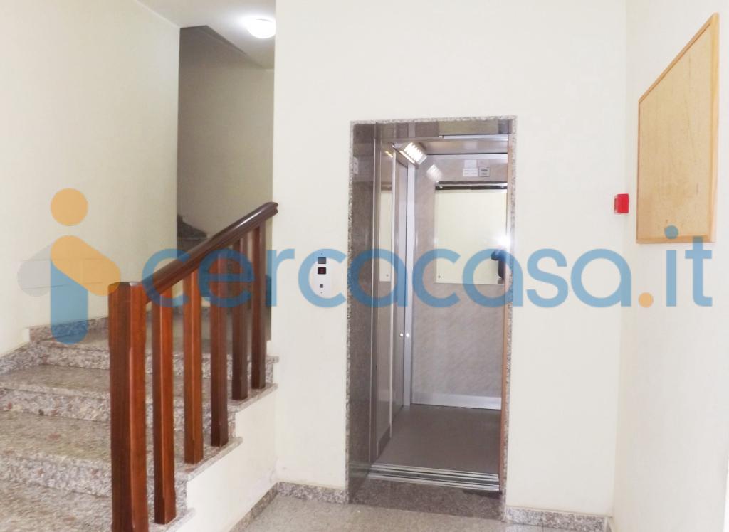 _in-palazzina-con-ascensore-attico-con-terrazzo