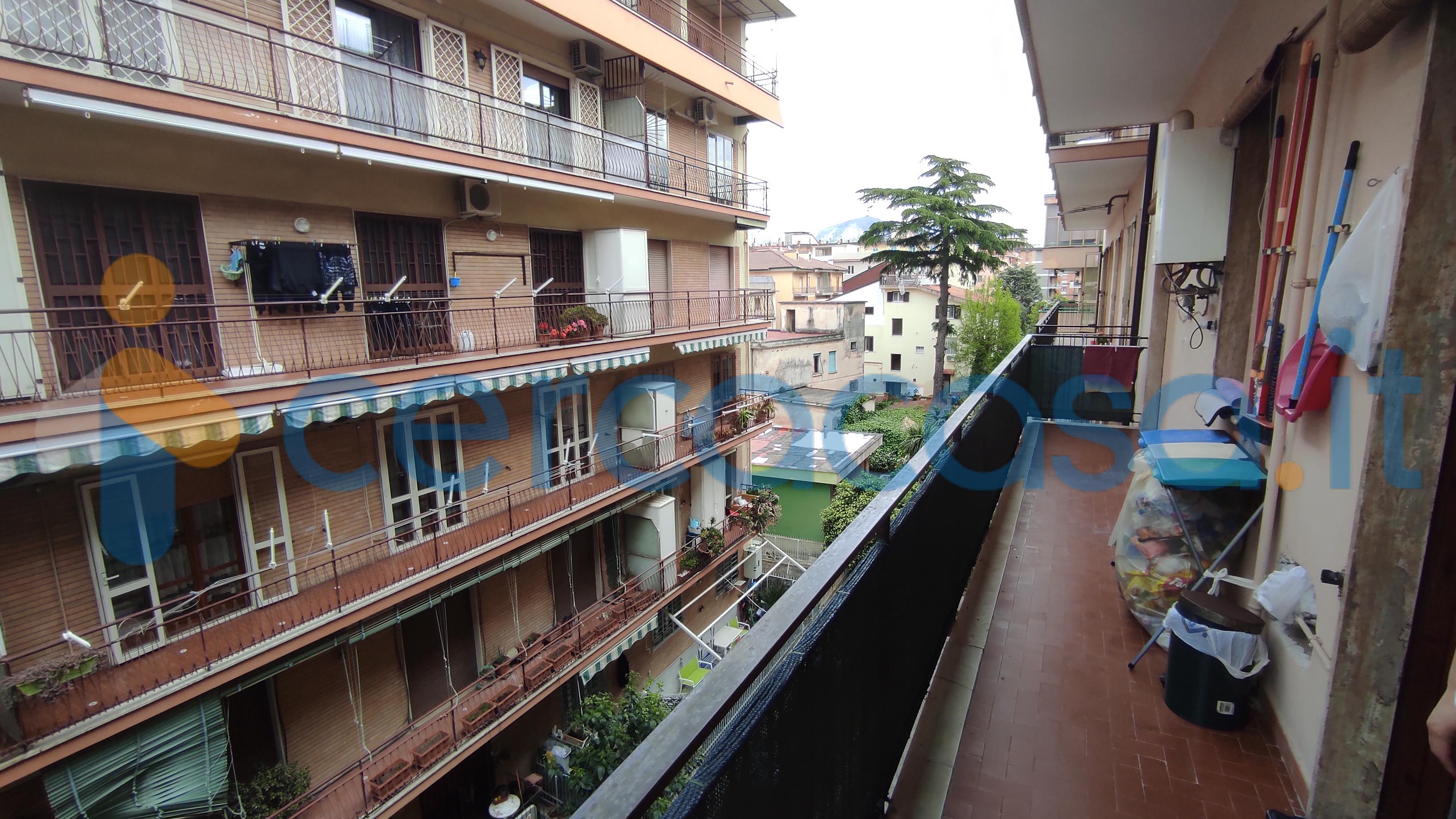 balcone-su-via-avellino