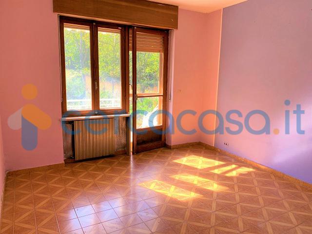_ampia-casa-indipendente-su-3-lati-con-giardino-privato__002c-contesto-tranquillo-e-soleggiato__002e