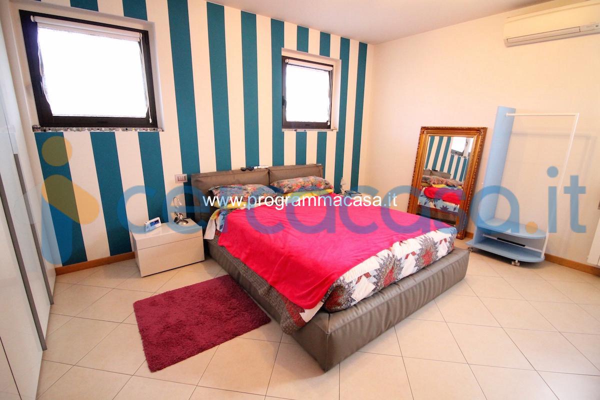 _abitazione-in-duplex-di-175-mq__002e-con-ampi-terrazzi