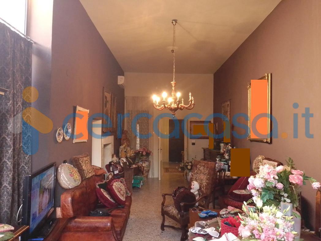 _v_i_l_l_i_n_o-_indipendente-_ristrutturato-con-_garage-e-_giardino