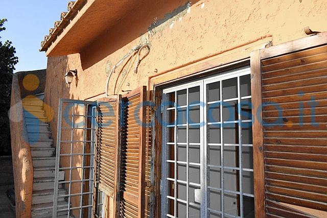 _colle-_romito-_villino-2-livelli-con-terrazzo__002c-giardino__002c-posto-auto