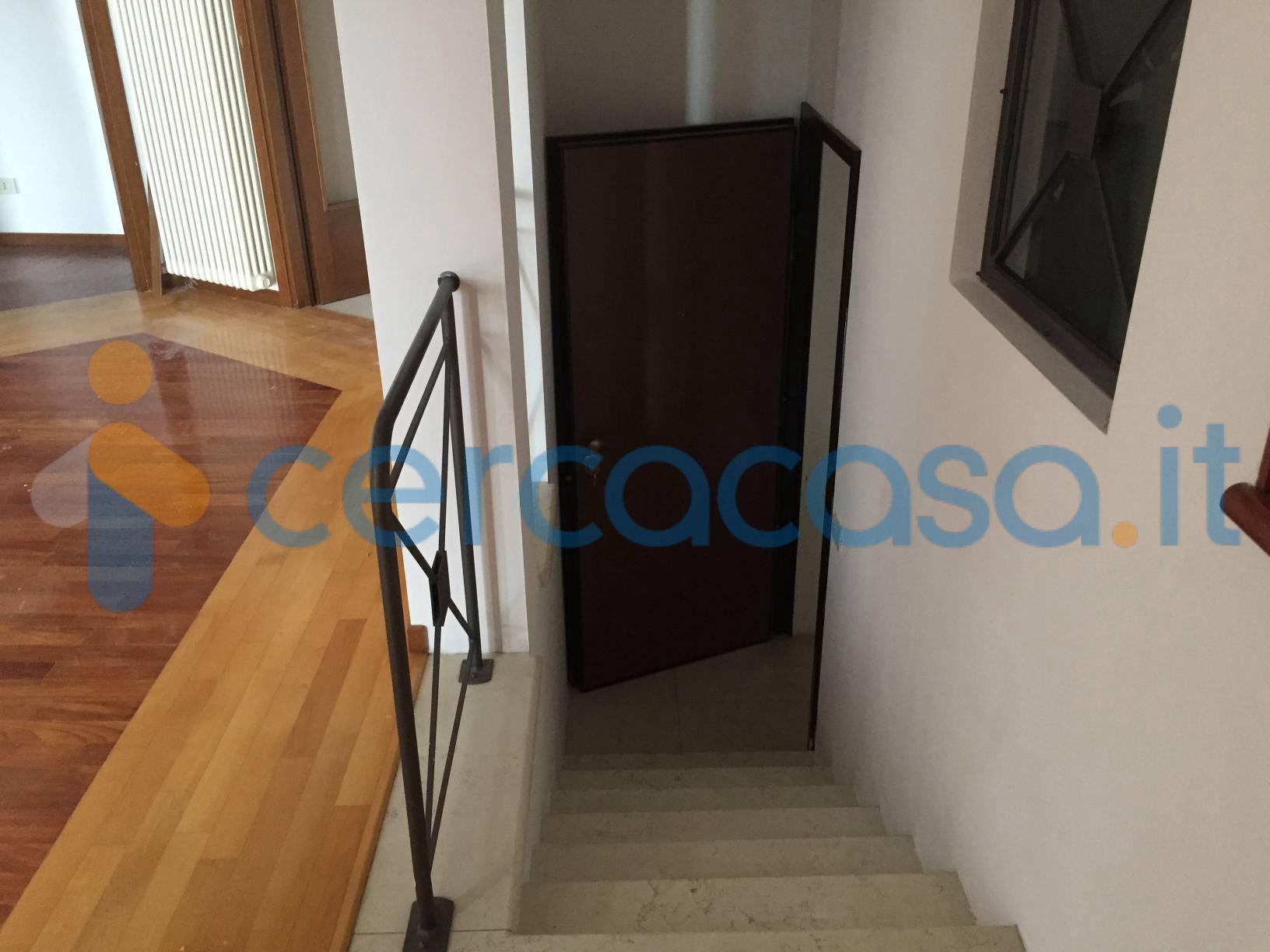 _elegante-appartamento-con-garage-esclusivo